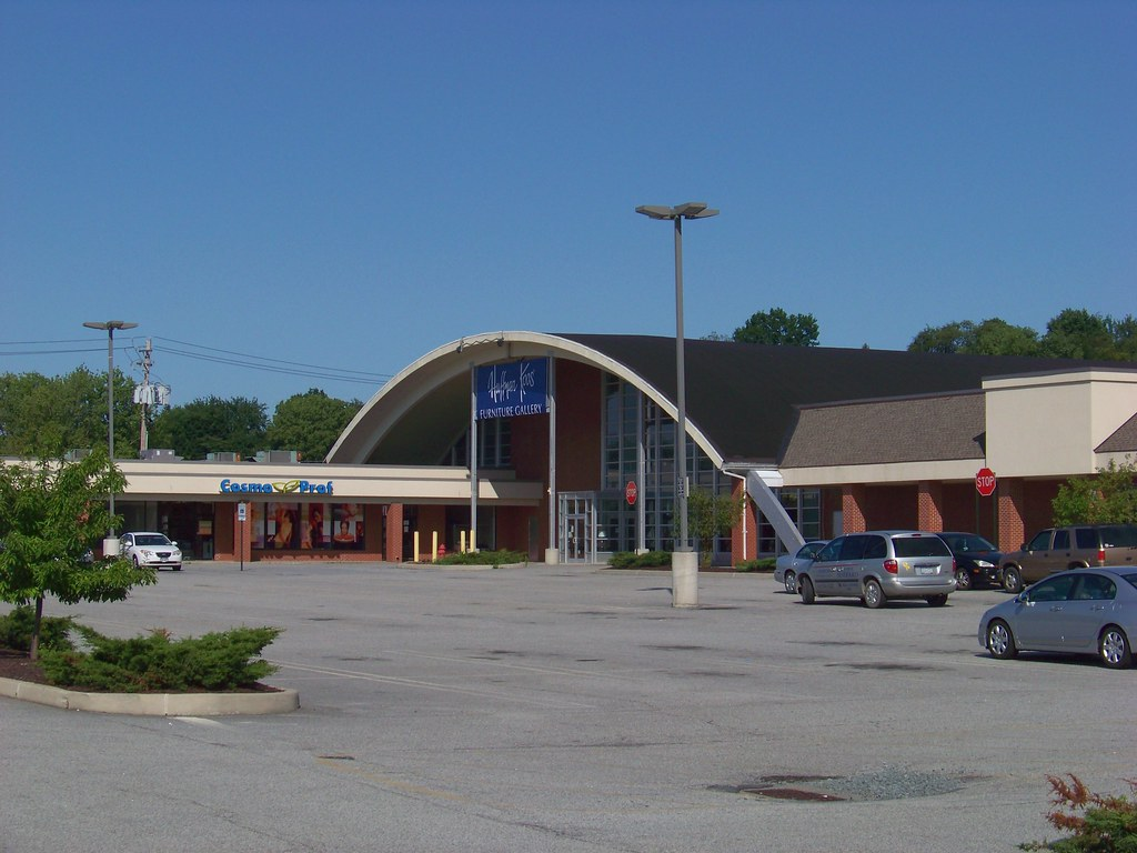 Former Big V Shop Rite and W. T. Grants