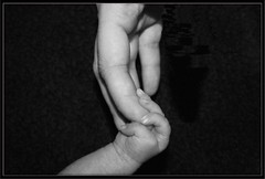 Main de bb (Stphane THOMAS et la photo) Tags: las baby del hands main manos beb bb