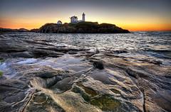 Nubble Lighthouse (moe chen) Tags: ocean york lighthouse sunrise dawn maine sigma moe cape 1020mm neddick nubble moe76