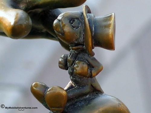 IMG_0065-WDW-MK-Jiminy-Cricket-bronze