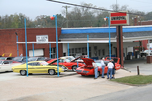 wellborn muscle car museum  outside photos  dodge daytona  plymouth superbird  charger 500