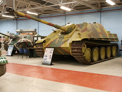 Jagdpanther (Megashorts) Tags: uk museum war tank military olympus destroyer vehicles german dorset ww2 vehicle inside e3 fighting armour zuiko 2009 axis tankmuseum panzer bovington jagdpanther zd 1454mm bovingtontankmuseum fl23 bovingtonmuseum