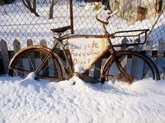 Bicycle Powered! - Ottawa 01 09 (Mikey G Ottawa) Tags: street winter snow ontario canada bike bicycle ottawa recycling fahrrad bikeshop bikedump mikeygottawa