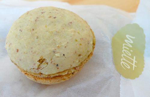 miette pistachio macaron