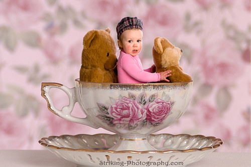 Baby Tea Cup por striking_photography.