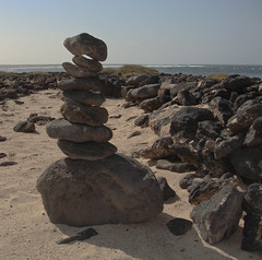 Piedras (Jesus de Blas) Tags: stones sony fuerteventura playa fabulous picturesque piedras totalphoto photographyrocks abigfave aplusphoto flickrestrellas sonyt200 solofotos flickraward