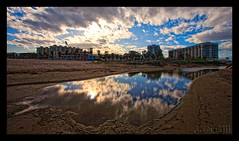 reflejos-01 (Xavi GM) Tags: espaa water valencia canon spain edificios agua arena nubes 5d reflejos 1735mm fincas totalphoto photographyrocks xavigm flickrestrellas