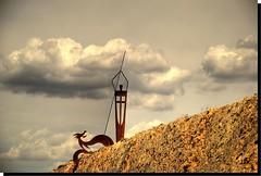 SAN JORGE Y EL DRAGN (ABUELA PINOCHO ) Tags: espaa spain dragon escultura aragon teruel modernista leyenda sanjorge sarrion desdeelcoche golddragon mywinners a3b betterthangood boxofhappymemories peregrino27newvision