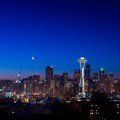 Moonrise from Kerry Park (Doug van Kampen) Tags: seattle skyline washington moonrise spaceneedle crescentmoon fairwashington