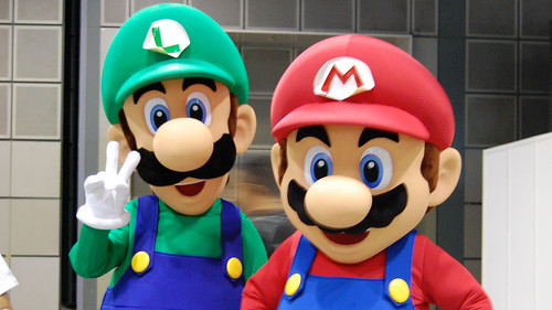 Try spotting these two dual - Mario and Luigi