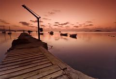 El embarcadero (Jos Andrs Torregrosa) Tags: atardecer nios embarcadero barcas lamanga joseandres sigma1020 40d canon40d josetorregrosa degradadotabacco