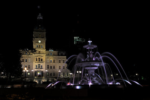 Fontaine de Tourny et Parlement de Québ by Daniel Paquet, on Flickr