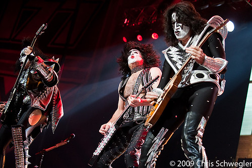 """KISS BRINGS """"THE HOTTEST SHOW ON EARTH TOUR"""" WITH SPECIAL GUEST THE ACADEMY IS… TO DTE ENERGY MUSIC THEATRE SATURDAY, SEPTEMBER 11"""