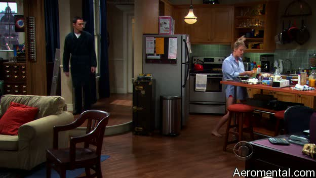 The Big Bang Theory S03E03 Penny cocina