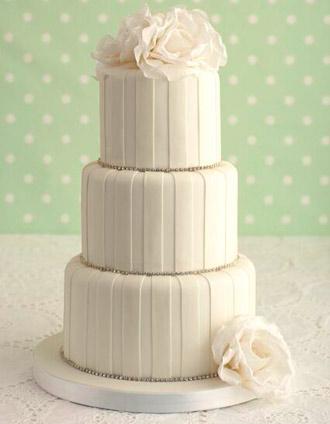 diamante-stripe-wedding-cake