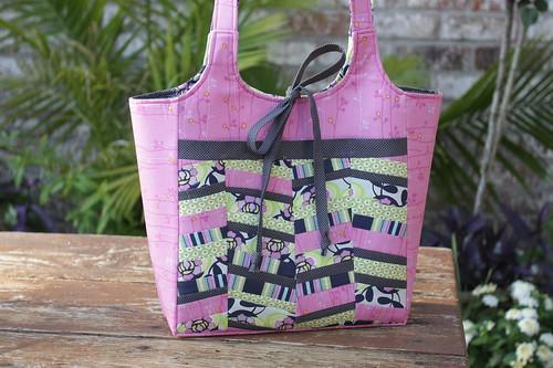 ava rose bag with zig zag pocket