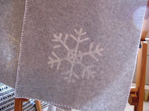 fleece_scarf_snowflake