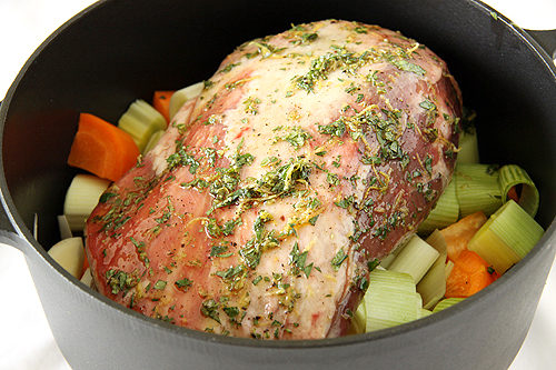 慢烤羊肩肉。歐巴馬也是這樣吃-090714