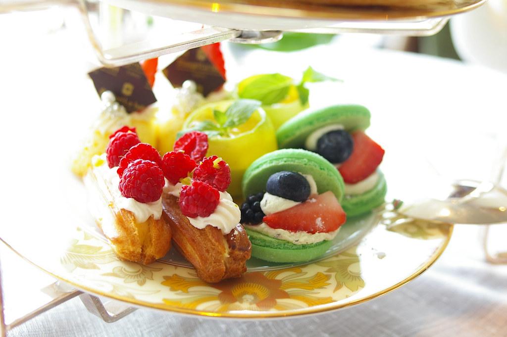 shangri-la hotel's afternoon tea set