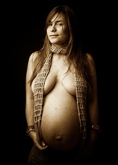 Motherhood Portrait (Franca Alejandra) Tags: woman pregnancy pregnant maternity f motherhood embarazo maternidad