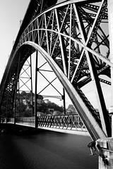 extra: Ponte Dom Luis, Porto (kika13) Tags: travel bn ponte porto viaggio portogallo viaggiare