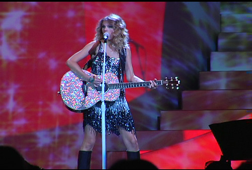 Michelle Branch · Taylor Swift -- sparkly guitar, sparkly dress