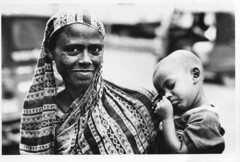Street motherhood (N A Y E E M) Tags: 2005 portrait mother beggar bangladesh gec chittagong fujineopan400 leicar62 summiluxr80mm nayeemkalam wellmart