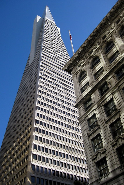 San Francisco - Financial District: Transamerica Pyramid and Italy Bank Building