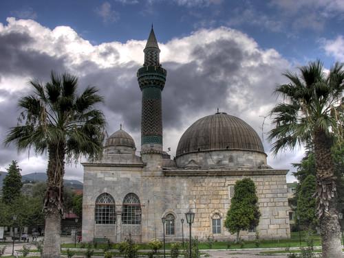Yeşil Çamii - természetesen a minaret is izniki cseméből készült