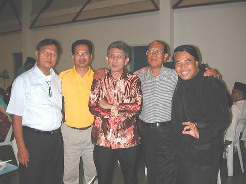 Bekas pelajar MHSS_67-68 dari kiri_Md Sanif, Ramli Pagi,Abdullah Yusof,Damanhudi & Sutari