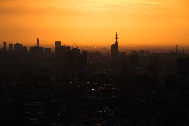 東山スカイタワーの夕日
