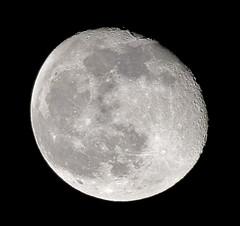 Waning Gibbous 11-04-09 (wanderingnome) Tags: california november usa moon unitedstates ventura canondigitalrebelxt waninggibbous ©wanderingnomez moonwatchearth 93full flickrbestpics facingeastsoutheast sigma70300zoomlens 827pmpst