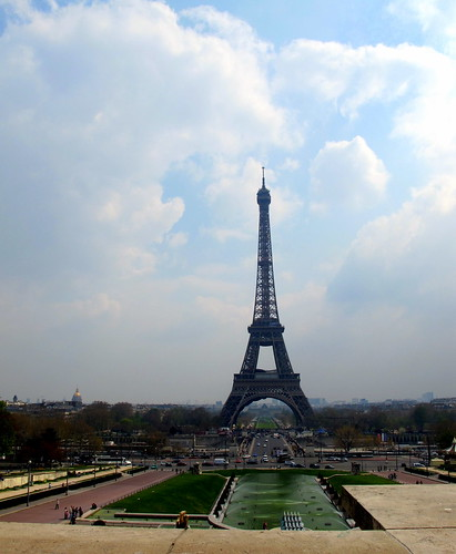 Le Eiffel Tower