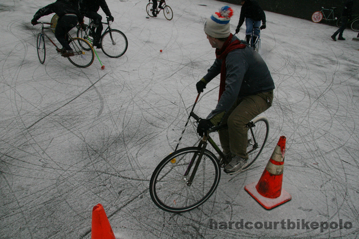 hardcourt bike polo jonny in goal snow