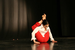 Elizabeth_Gaumond_7810 (Zaldun Urdina) Tags: circo circus aerial flex cirque contortion aro contorsion frontbend elizabethgaumond bihurrikaria
