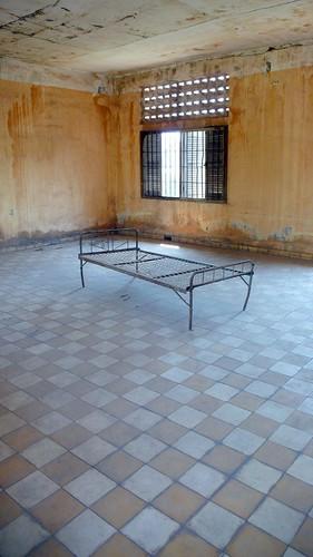 tuol sleng prison museum