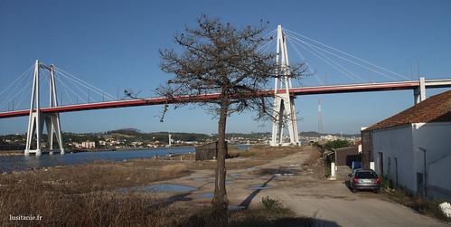 Pont sur lequel passe la N109