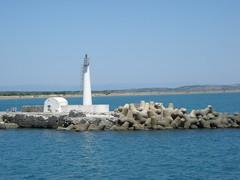 Ancien feu de jetée (Jamiecat *) Tags: lighthouse port la mediterranean aude roussillon phare languedoc nouvelle