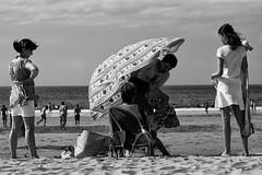 Vamos, Luis Raimundo, que no tenemos todo el da. (Leandro MA) Tags: playa cantabria canon70300 noja canoneos40d playaderis leandroma