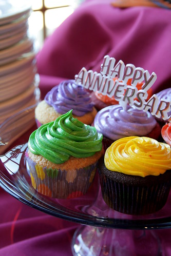 Cupcakes for 80th anniversary