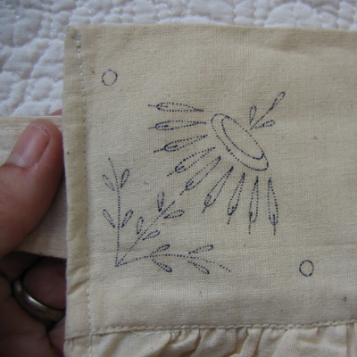apron waistband detail