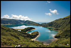Lagoa do Fogo (Filipe Batista) Tags: flowers light sea mountain flores luz praia beach portugal clouds canon mar lagoon lagoa madeira montanha aores nvens smiguel grandeangular efs1022 40d filipebatista