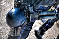 Prepared (A.G. Photographe) Tags: france french police cs protection flic franais compagnie anto crs casque policier xiii arme flashball hdr1raw jambire d700 maintiendelordre scurisation 70300nikkornikon flahsball pareballes gilettactique vernaycarron