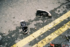 (*Bang Bang Boy*) Tags: london lines yellow stars 50mm shoes all kodak voigtlander east converse 160vc portra nokton f15 bessat sooc filmism streetsofmine