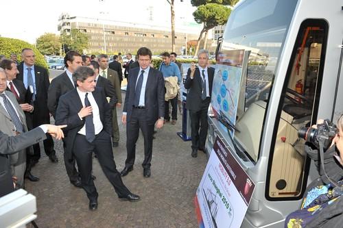 Miniautobus ad energia solare