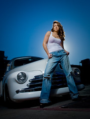 Briana with vintage car (geroco) Tags: bluesky briana bluejeans vintagecars beautydish