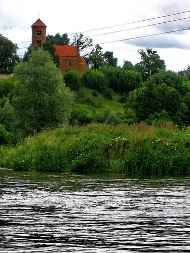 spływ Pilicą - kościół św. Idziego w Inowłodzu