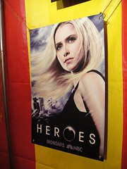 Claire Bennet (Hayden Panettiere) Heroes new season poster (Doug Kline) Tags: poster sandiego convention heroes comiccon 2009 haydenpanettiere clairebennet