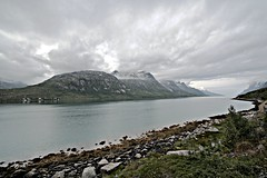Ersfjord (Kvaløya) (Florent Chevalier) Tags: voyage trip travel summer norway canon geotagged norwegen noruega fjord été norra hdr norvegia tromsø troms nauy noorwegen norvège sigma1020mm norja kvaløya ersfjord 挪威 noregur norsko ノルウェー norwegia norveç נורווגיה norveška นอร์เวย์ норвегия норвешка νορβηγία norvēģija 노르웨이 nórsko नॉर्वे