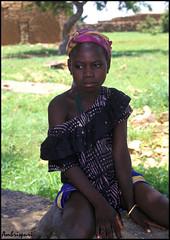 134-Ausente. (Ambrispuri) Tags: africa portrait girl look retrato tribal tradition mali ethnic mirada muchacha ronger ambrispuri
